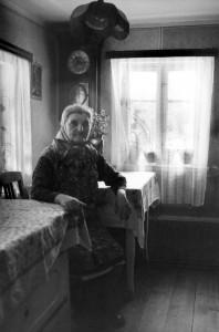 34Alte Frau, Sudeten, 1985